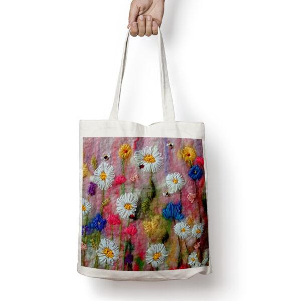 Delightful Daisies tote bag